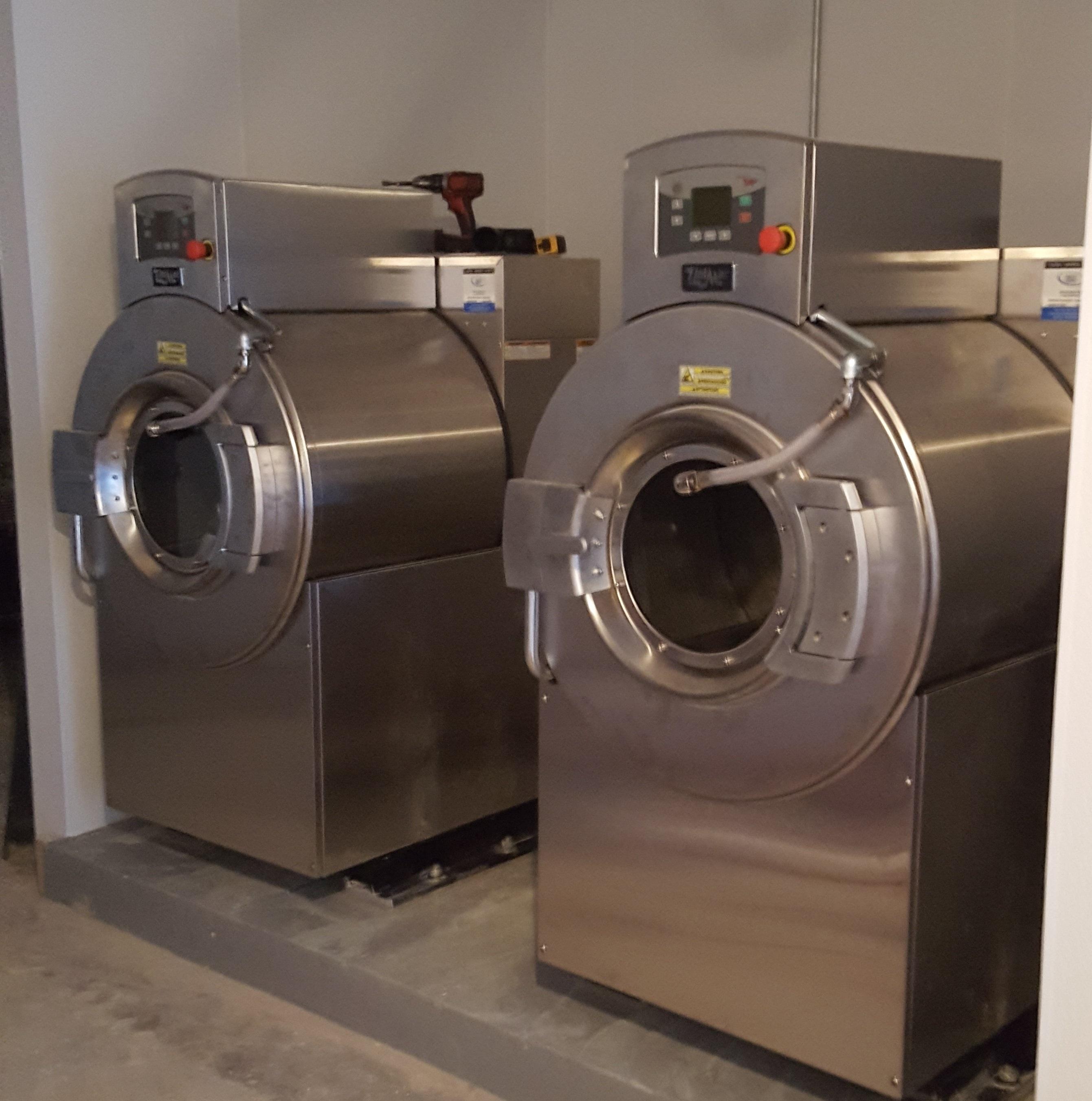 Commercial Laundry Equipment & Management   BDS Laundry